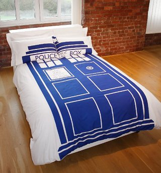 Double_Doctor_Who_Tardis_Duvet_Set_from_BBC_Worldwide_Life_Style_2-320-400